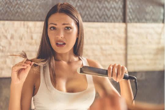 Cómo plancharse el pelo a diario sin maltratarlo