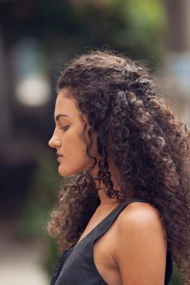 peinados cabello rizado